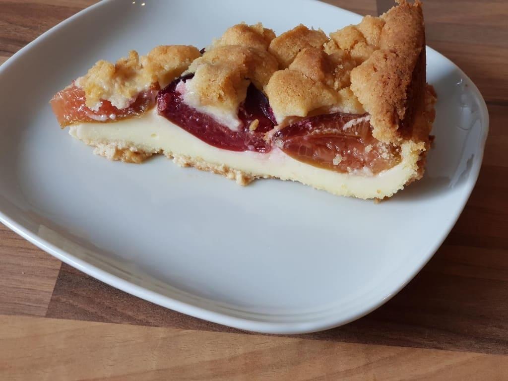 Zwetschgenkuchen mit Puddingfüllung