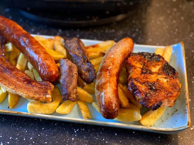 Grillteller mit Pommes - Rezept für den Deluxe Air Fryer -